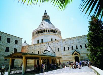 Turism religios sau pelerinaj la locurile sfinte?