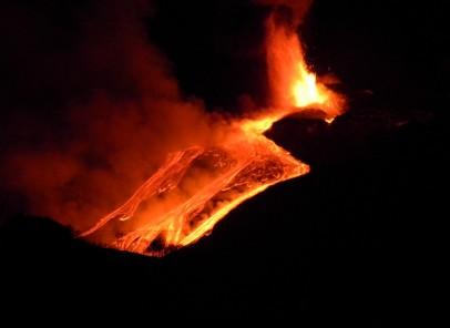 Etna erupe din nou