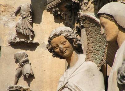 Reims:  Îngerul care surâde