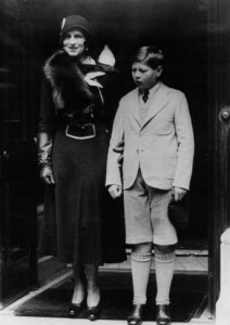 Regina Elena si Principele Mihai la Londra
