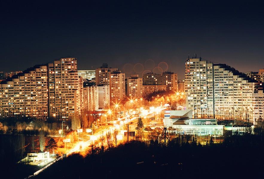 vacanta-basarabia-chisinau-noaptea