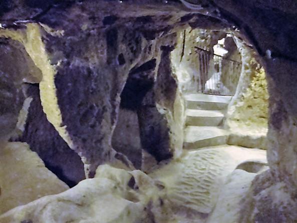Cetatea Uchisar interior
