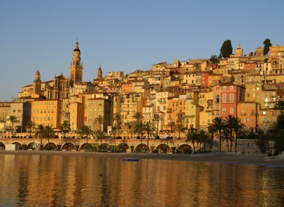 Vacanţă pe Coasta de Azur cu bani puţini