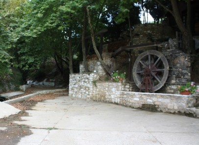 Vacanţă în Thassos: un prânz la Neromulos