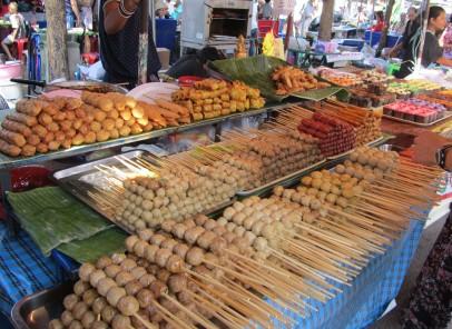 Satay şi ketupat. Gusturile Malaysiei