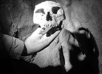 """Peștera cu Oase, """"casa"""" celor mai """"vechi"""" locuitori ai Europei. Cine sunt Ion, Vasile și Maria și ce făceau ei pe Valea Minișului acum 40.000 de ani (VIDEO)"""
