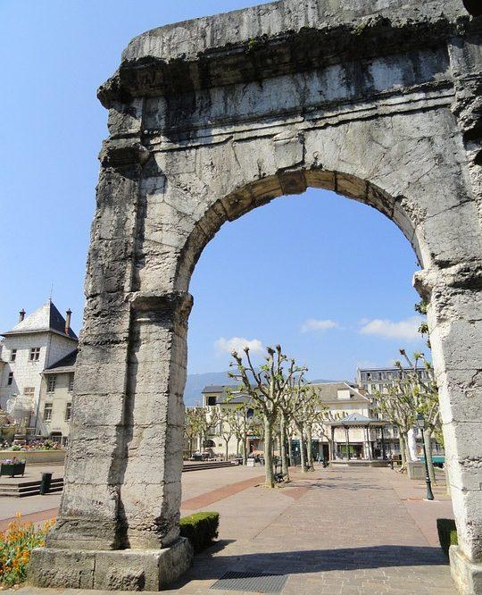 Aix-les-Bains. Arcul lui Pompei